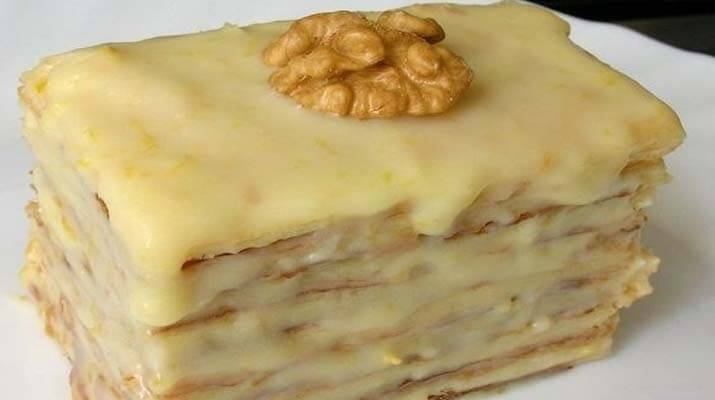Слоеное пирожное со сгущенкой просто и очень вкусно!