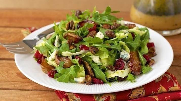 Крабовый салат с болгарским перцем и сметаной