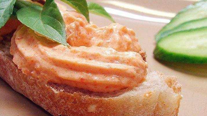 Очень нежный творожный паштет с болгарским перцем