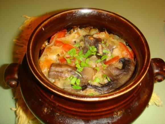 Тушенные грибы с овощами