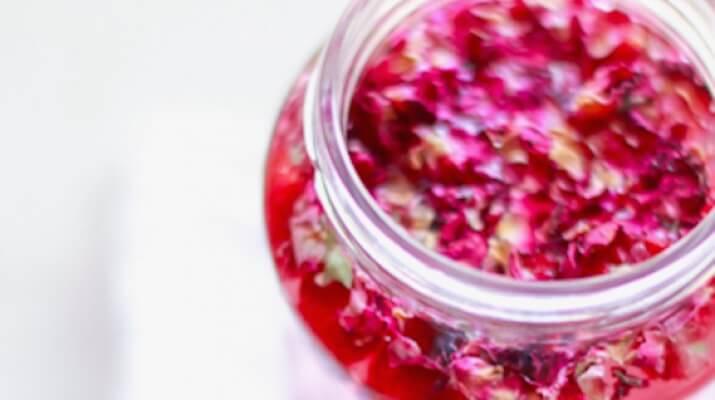 Малина, ваниль и лепестки розы