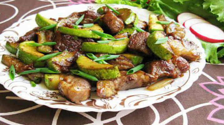 Жареные кабачки со свининой