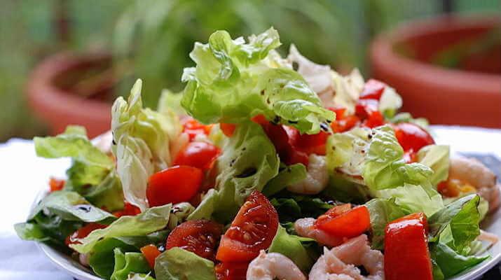 Завертыш из тонкого лаваша с овощами