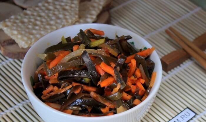 Корейский салат из моркови и морской капусты