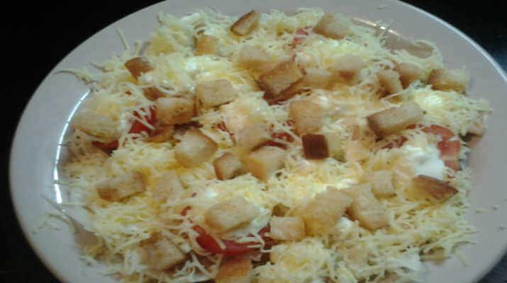 Салат из помидор с сыром