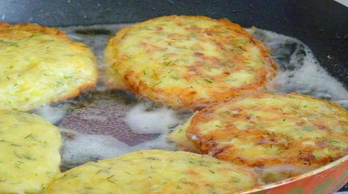 Горячие круассаны с сыром и грибами