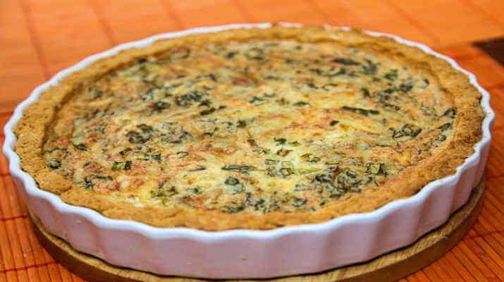 Пирог сырный с маслинами