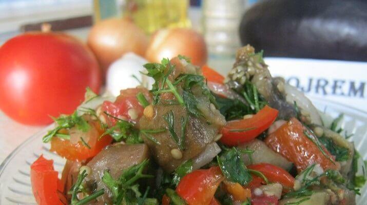 Картошка в горшочках с колбасками