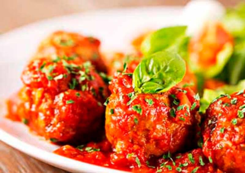 Восхитительные тефтели повседневные в томатном соусе