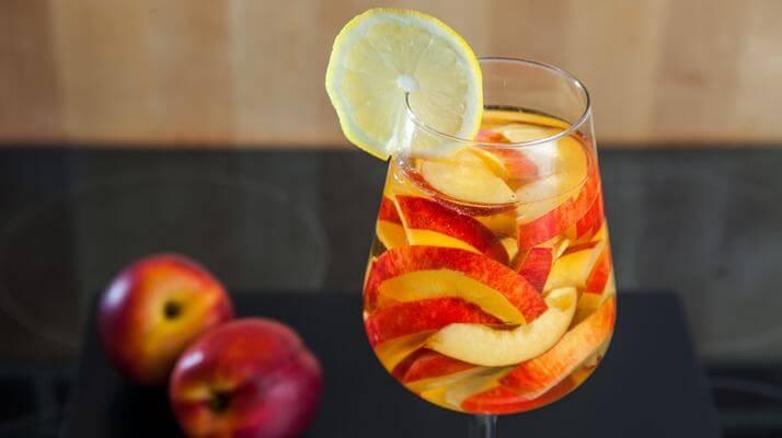 Персики в вине