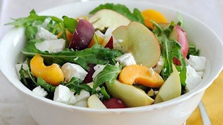 Сырно-фруктовый салат