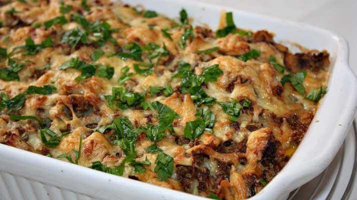 Даже сытому захочется такую картофельную запеканку с грибами и фаршем