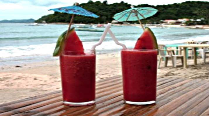 Напиток из арбуза с фруктами
