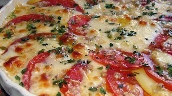 Быстрая и вкусная закуска с помидорами и сыром