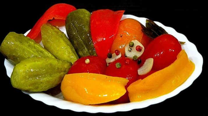 Овощное ассорти, законсервированное в зиму