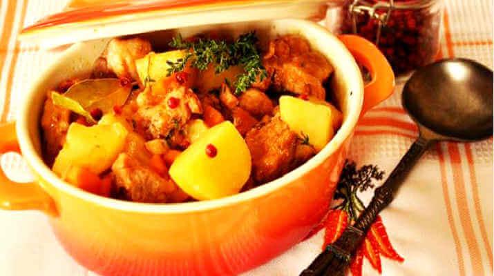 Картошка, тушенная с овощами