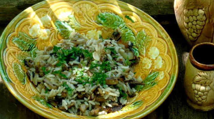 Салат из риса с грибами