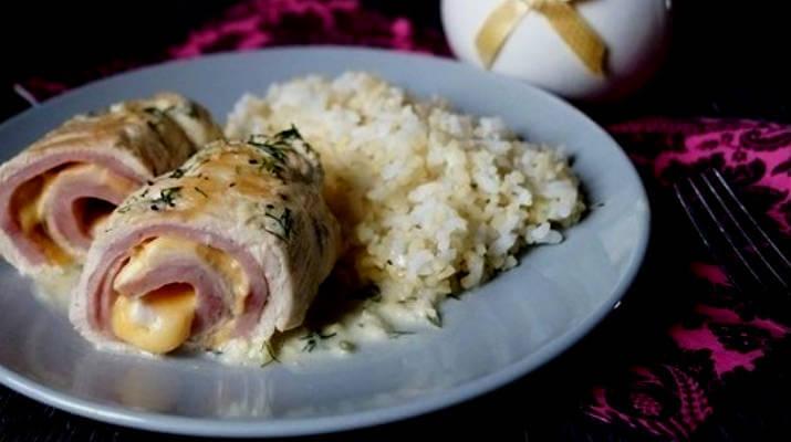 Мясной рулет с сыром и колбасой