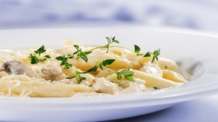 Попробуйте сварить макароны в молоке. Нежный, изысканный вкус сливочного соуса!
