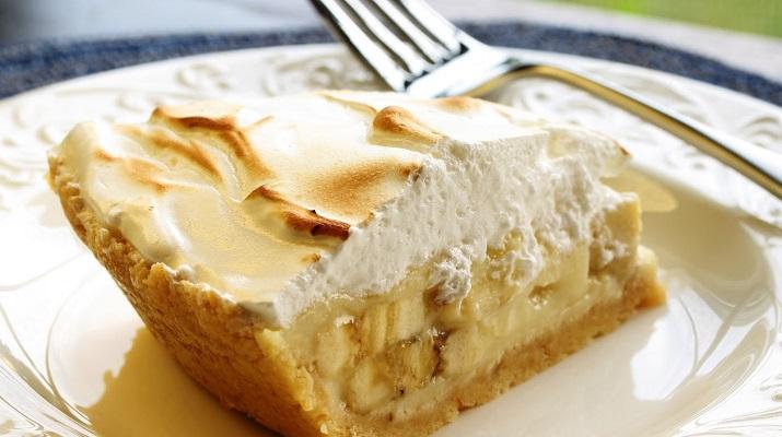 Банановый пирог со сметанным кремом. Сама простота и нежность!