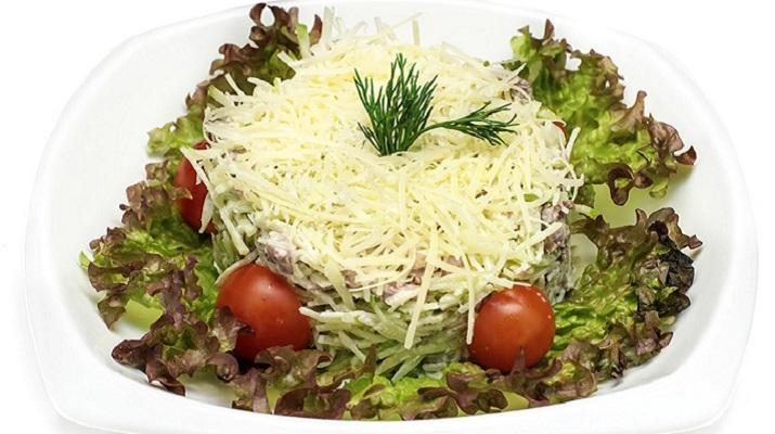 Легкий салат на пасхальный стол