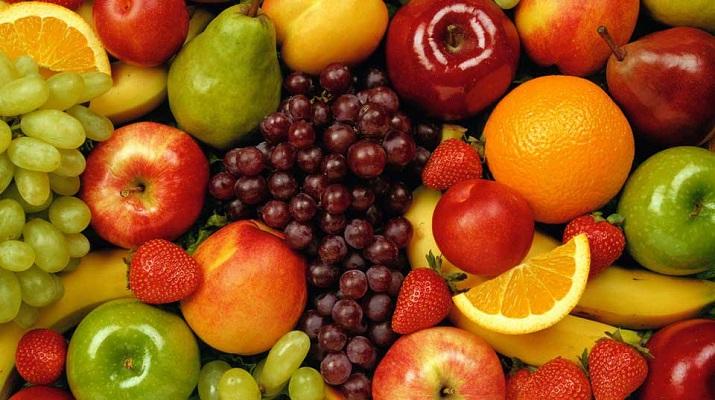7 фруктов и ягод, которые ты резал неправильно!