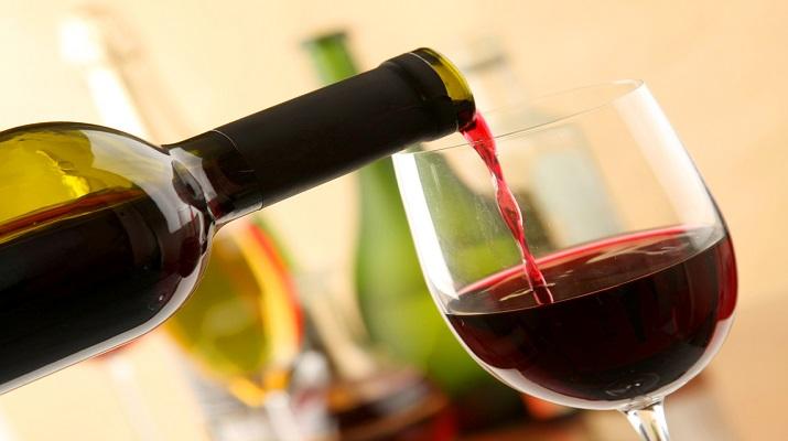 Как не надо пить вино: 8 нелепых ошибок