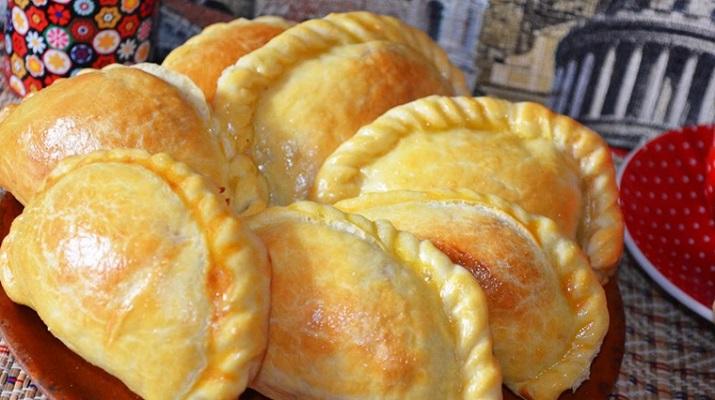 Пирожки с мясом и картофелем