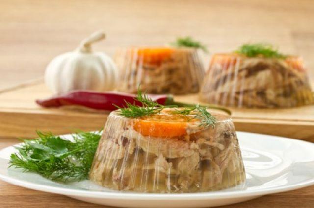 Картофельно – мясные тарталетки со сырно — чесночным соусом