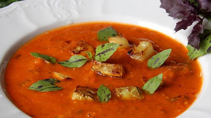Томатный суп с кабачками