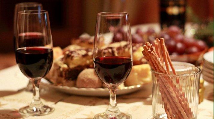 вишн вин с блюдами