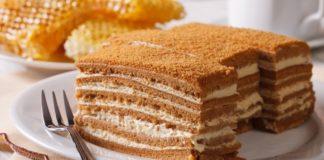 Творожный кекс с персиком без выпечки