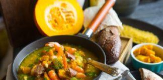 Салат с грибами и куриным филе «Морковки»