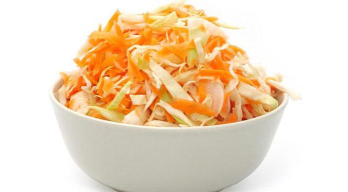 Салат с капустой, яблоками и апельсинами