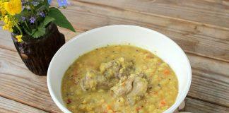 Закуска из лаваша с курицей и овощами готовится за минуты