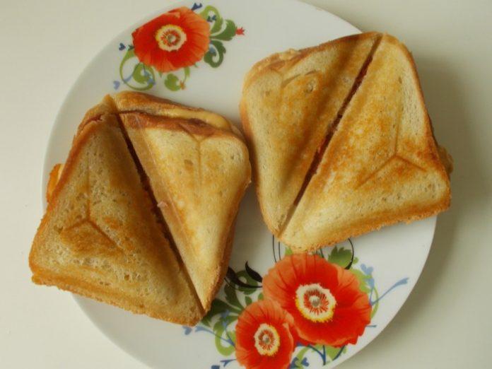 Сэндвич с тунцом и сыром