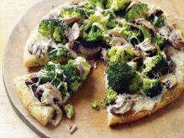 Макароны с грибами, овощами и сыром