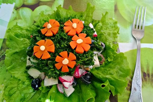 Салат «Цветочная поляна»