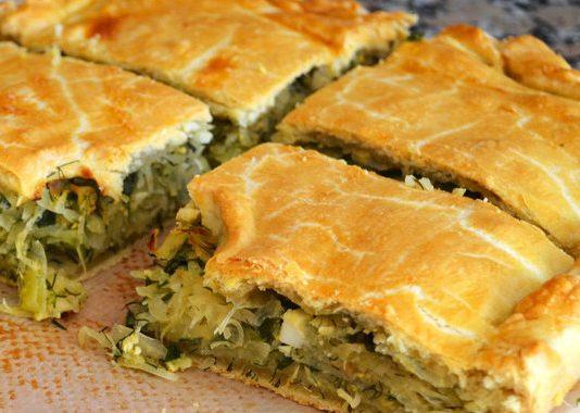 Пирог с луком и капустой