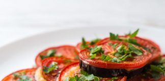Салат из кабачков, помидор в зиму