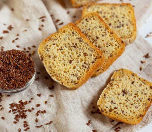 Пшеничный хлеб с льняными семечками