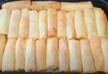 Блинчики на кефире с луком и яйцом
