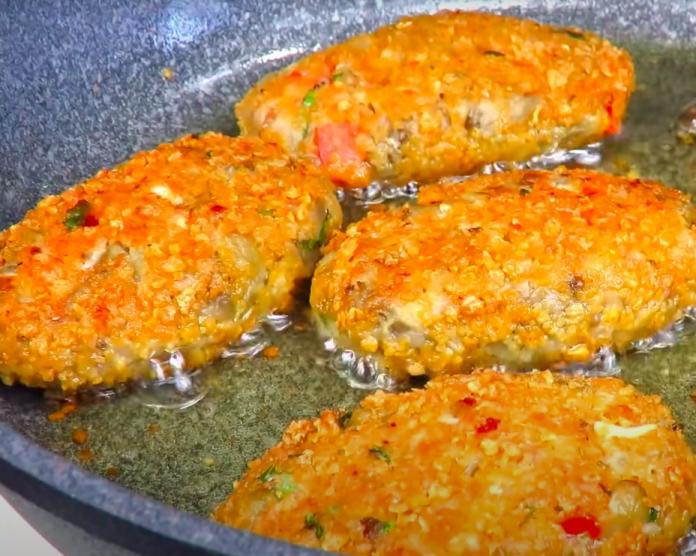КОТЛЕТЫ ИЗ БАКЛАЖАНОВ даже вкуснее мясных. Сочные и нежные! Блюдо из овощей!