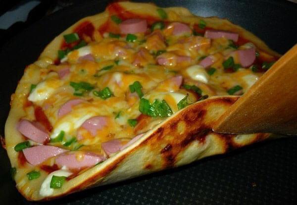 Рецепт: Пицца на сковороде - все рецепты России