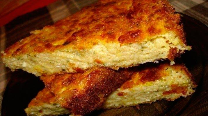 Быстрые пирожки с луком и ветчиной
