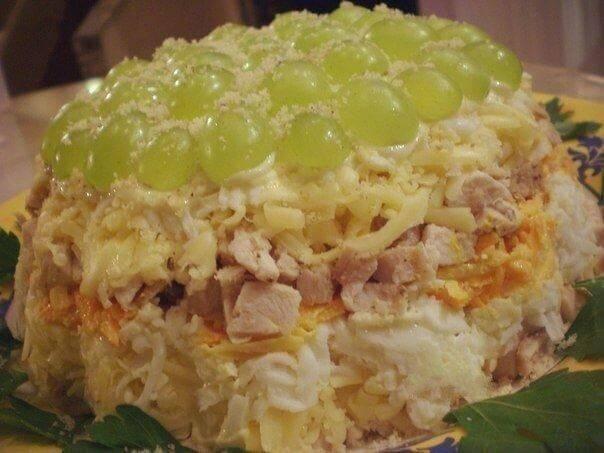 Необычный салат с курицей