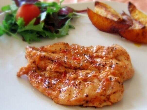 Запеченные куриные грудки со сливочным соусом
