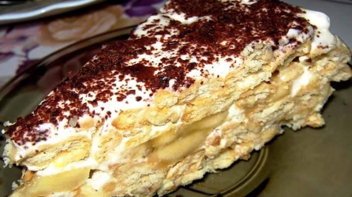 Быстрый банановый торт на основе печенья