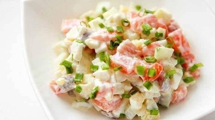 Нежный салат с сёмгой