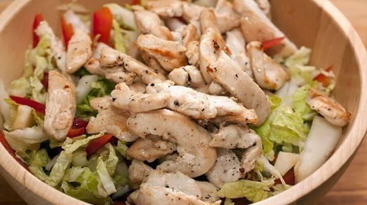 Салат из куриной грудки